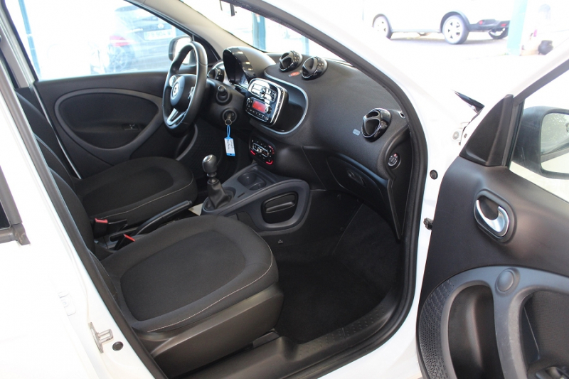 Photo 3 de l'offre de SMART FORFOUR 71CH PASSION à 8990€ chez BMC Autos 47
