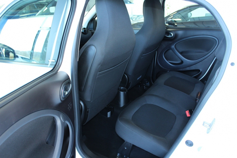 Photo 5 de l'offre de SMART FORFOUR 71CH PASSION à 8990€ chez BMC Autos 47