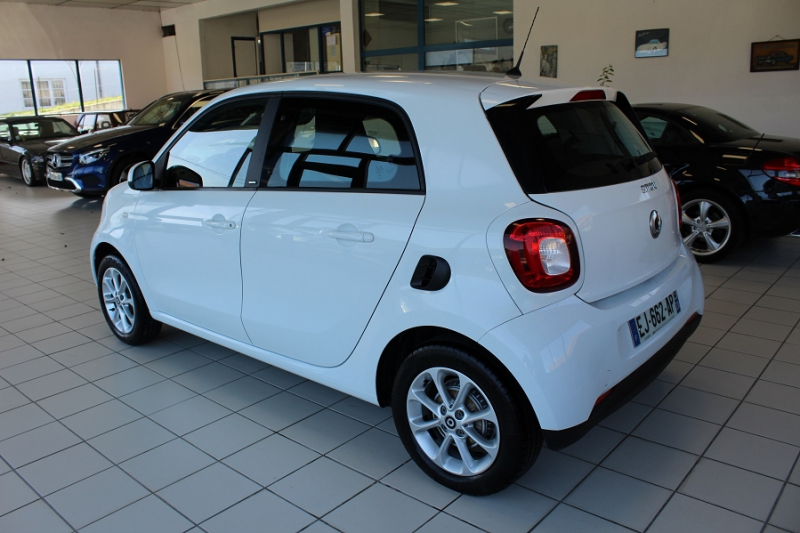 Photo 7 de l'offre de SMART FORFOUR 71CH PASSION à 8990€ chez BMC Autos 47
